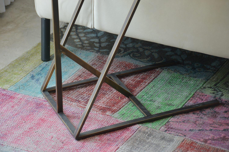 שולחן צידי מפליז