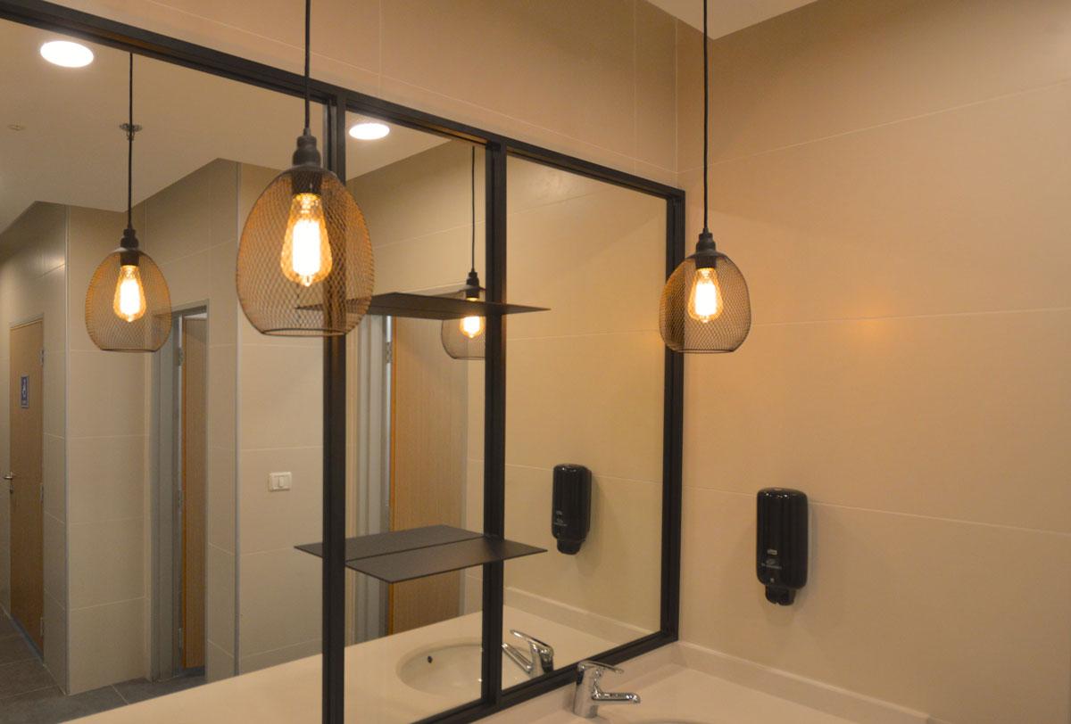 עיצוב גופי תאורה מברזל