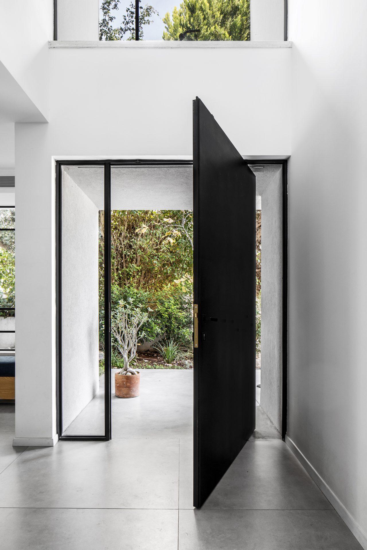 עיצוב דלת פיבוט