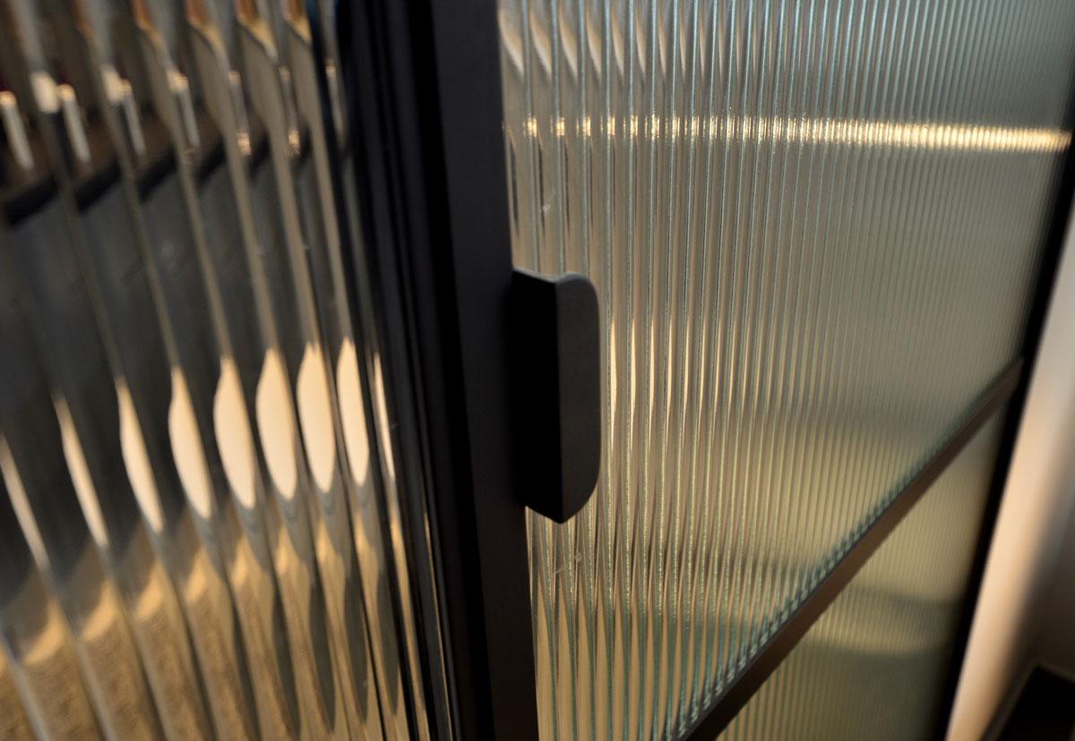 ידיות סטטיות - דלת פרופיל בלגי