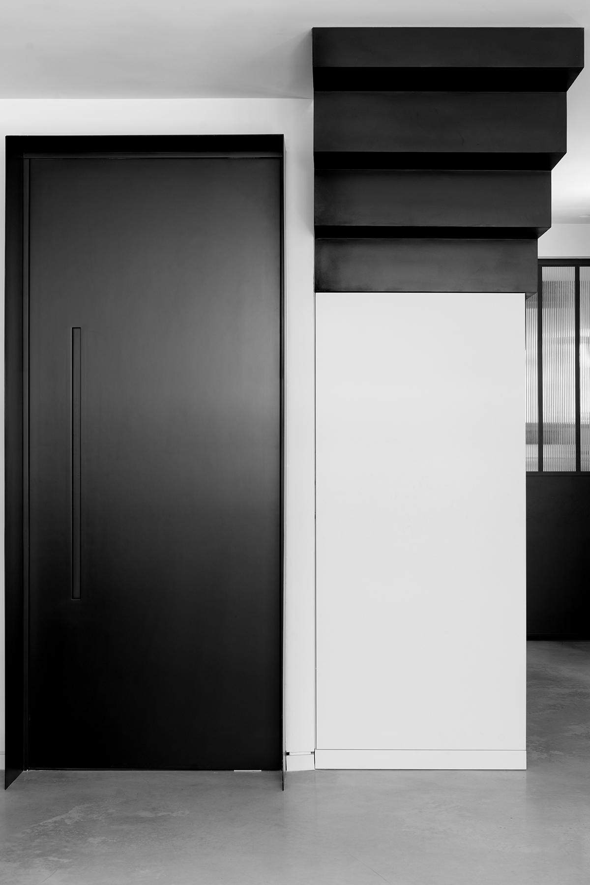 דלתות פיבוט