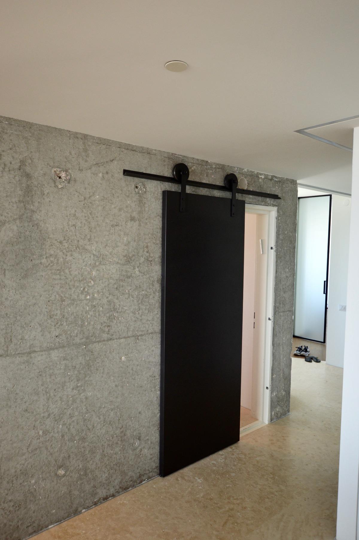 עיצוב דלת מברזל