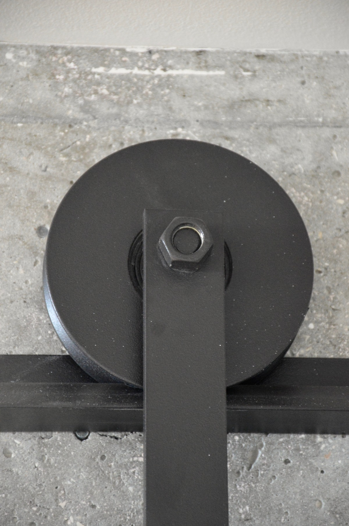 עיצוב דלתות מברזל