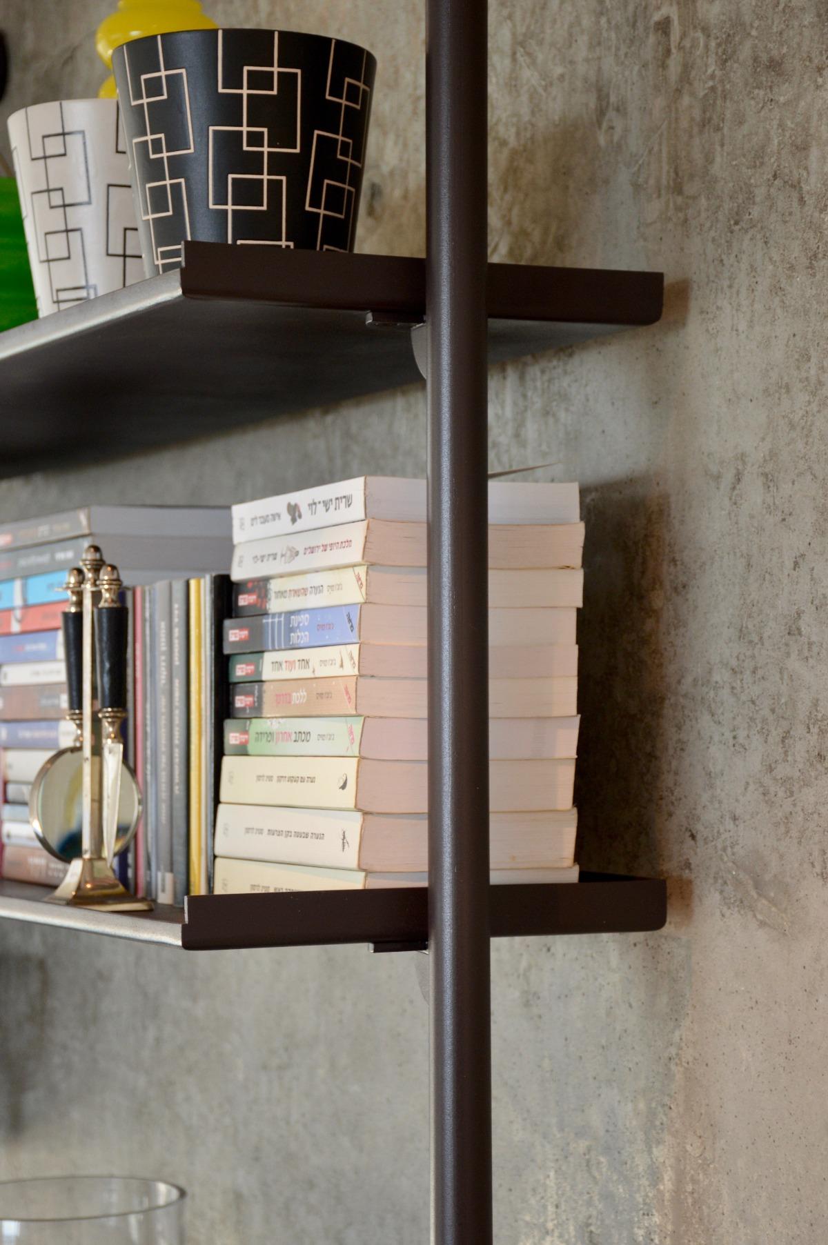 סטודיו פיירפלי - מתמחים בעיצוב ספריות מברזל